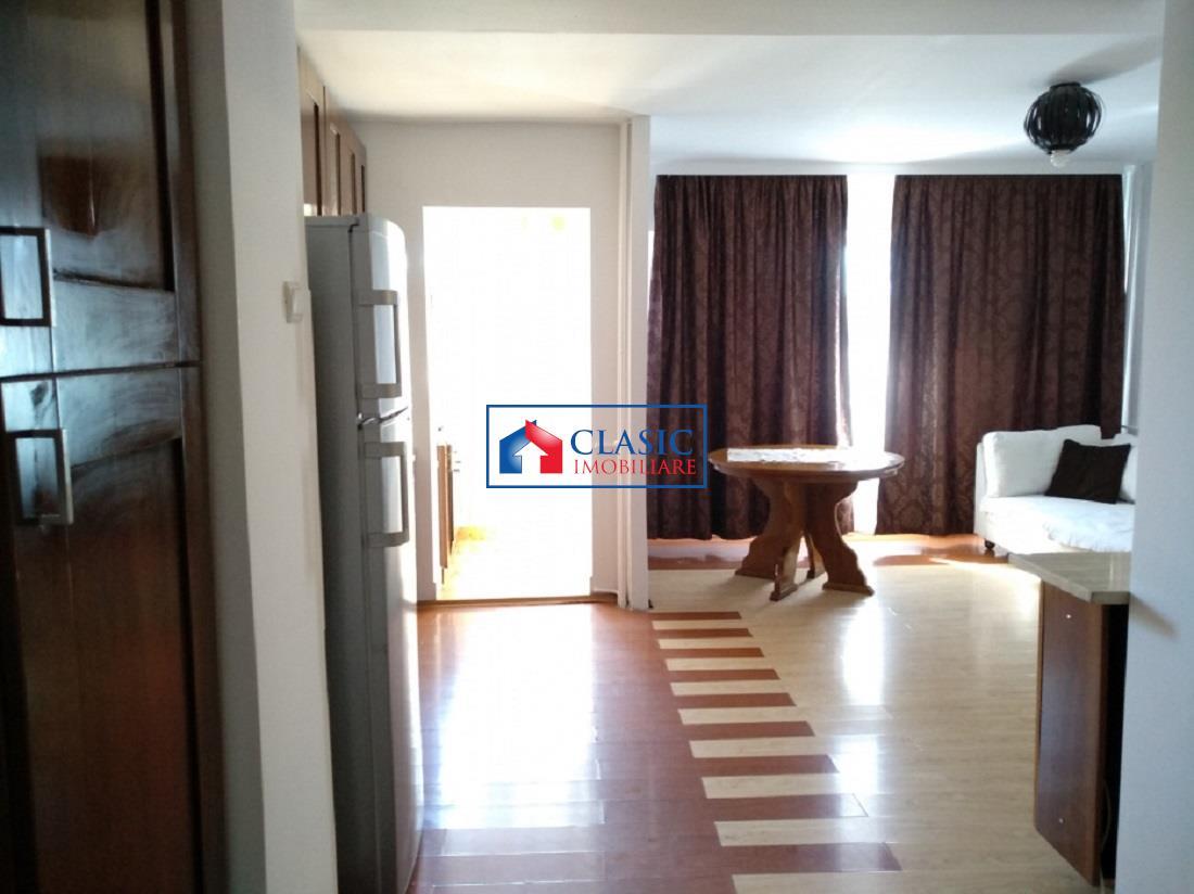 Apartament 2 camere in Centru, Registrul Comertului, McDonald's