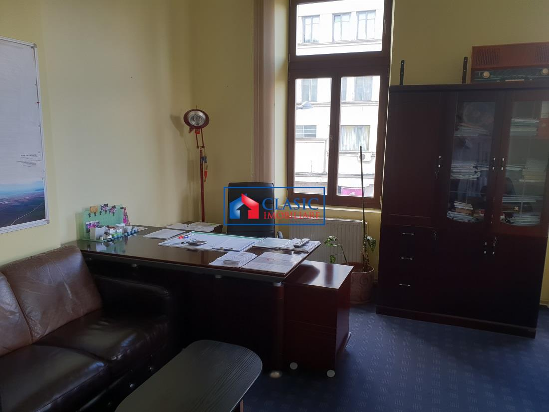 Apartament 2 camere locuinta sau birou in Centru, Teatrul National