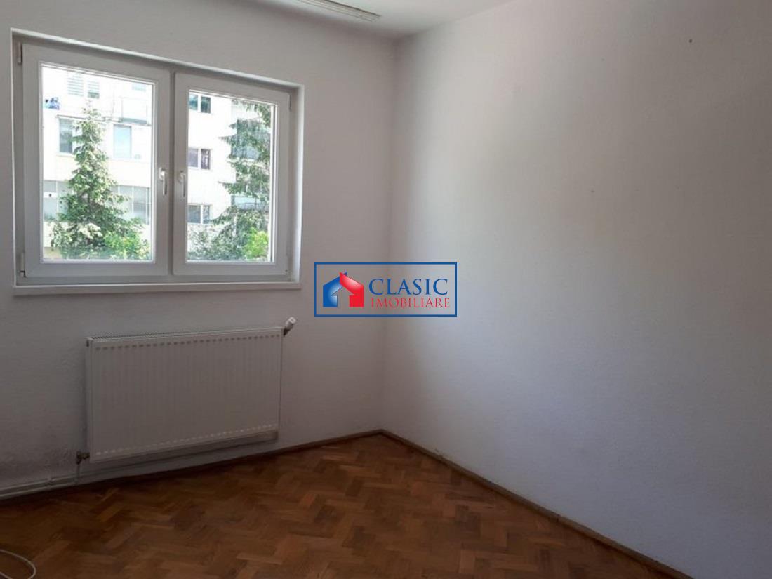 Apartament cu 4 camere in Grigorescu, etaj 1, zona Coloane