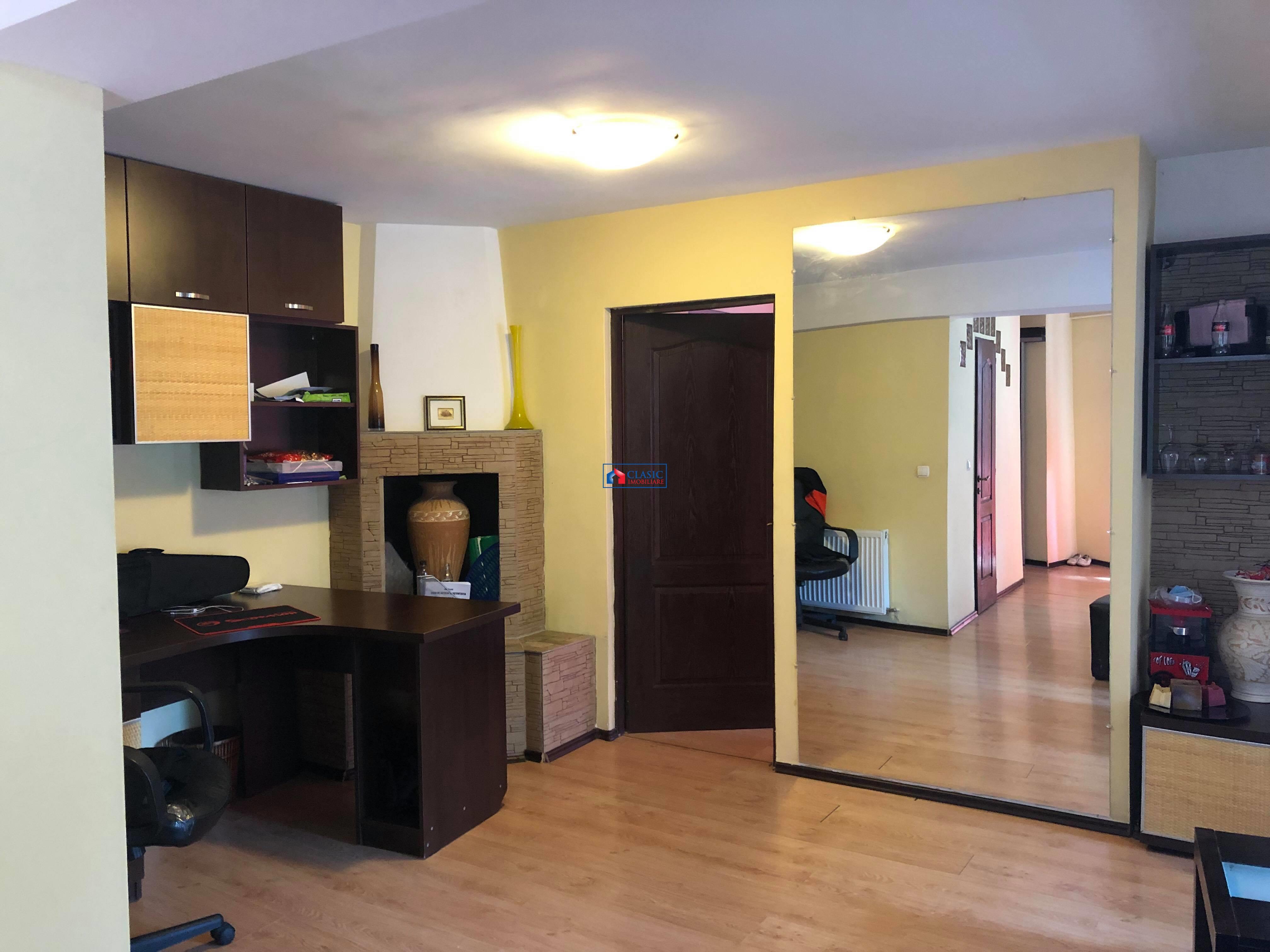 Vanzare apartament 2 camere bloc nou in Zorilor M. Eliade