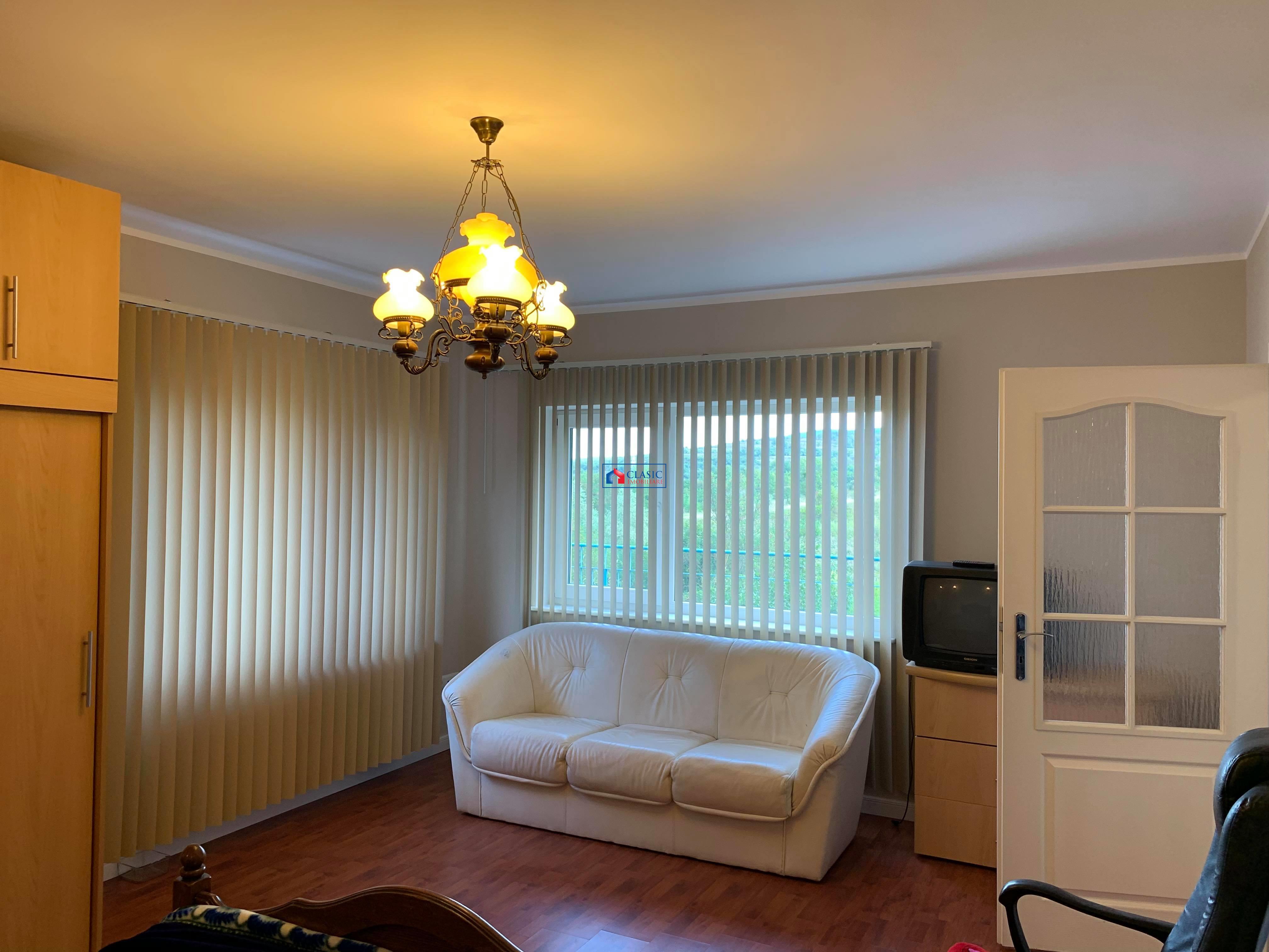 Inchiriere apartament 3 camere modern cu gradina in vila, in Buna Ziua