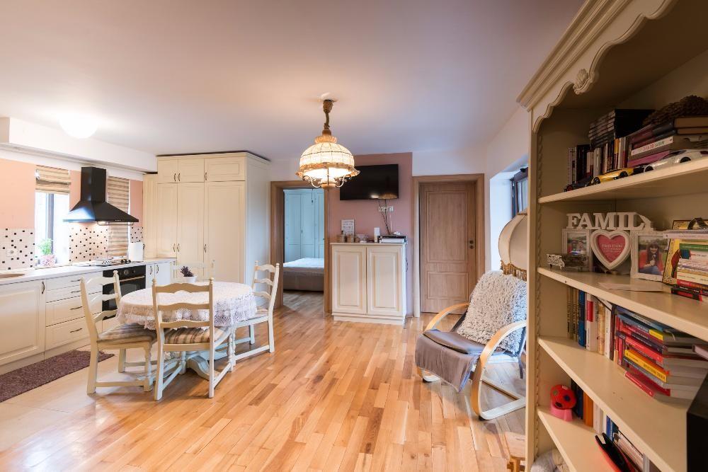Vanzare apartament 3 camere modern cu gradina zona Zorilor- C. Turzii