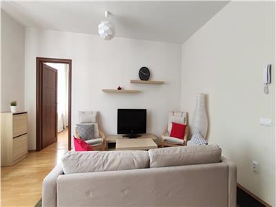 Inchiriere apartament 3 camere modern in Centru- Parcul Central