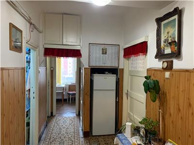 Vanzare apartament 3 camere decomandat zona Farmec Marasti, Cluj-Napoca