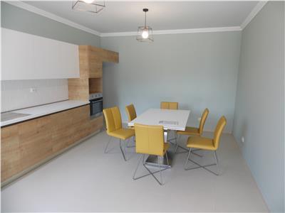 Vanzare casa duplex ultrafinisata, zona A.Muresanu, Cluj-Napoca