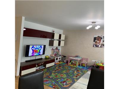 Vanzare apartament trei camere Iris zona Auchan, Cluj Napoca