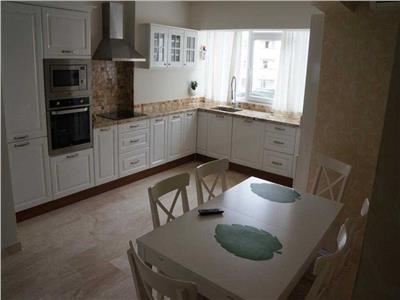 Inchiriere apartament modern 3 camere Zona Centrala - Piata Cipariu