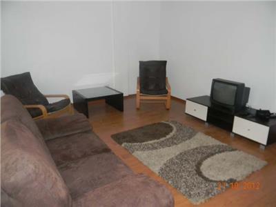 Vanzare Apartament de 2 camere cu garaj in Andrei Muresanu