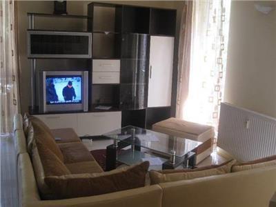 Inchiriere apartament 3 camere modern in Andrei Muresanu