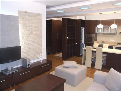 Inchiriere apartament 2 camere de LUX in Centru