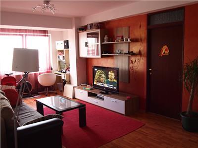Inchiriere apartament 3 camere modern in bloc nou zona Centrala