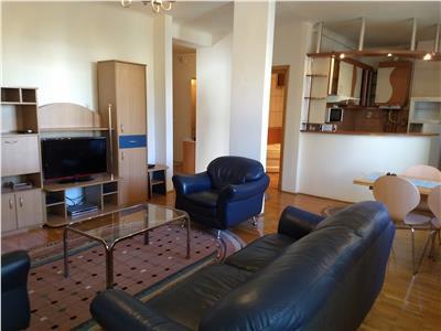 Inchiriere apartament 3 camere modern in Centru Cluj-Napoca