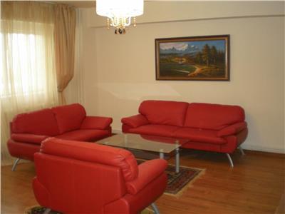 Vanzare Apartament de 3 camere lux in Centru, Cluj-Napoca