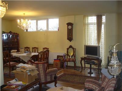 Vanzare Apartament 3 camere lux in A. Muresanu, Cluj-Napoca