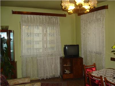 Vanzare Apartament 4 camere decomandat in Manastur, OMV