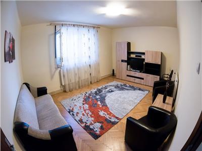 Inchiriere apartament 2 camere decomandate modern zona Centrala- str Motilor