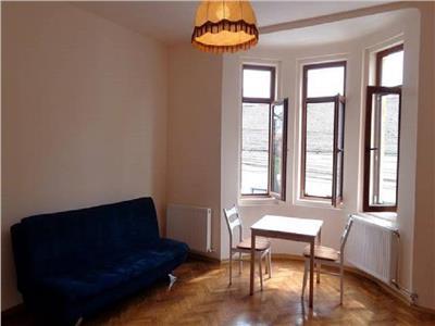 Inchiriere Apartament 2 camere modern in vila zona Centrala