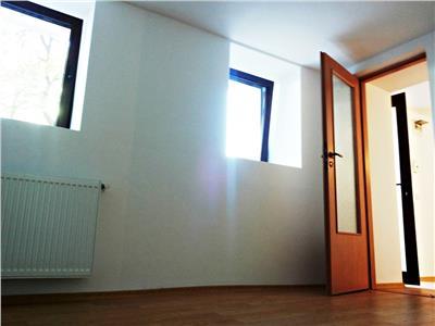 Vanzare Apartament 2 camere Semicentral, demisol Hasdeu