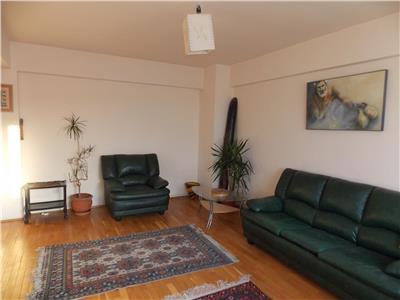 Inchiriere Apartament 3 camere modern zona Centru, Cluj-Napoca