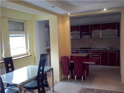 Inchiriere Apartament 3 camere in bloc nou zona Andrei Muresanu