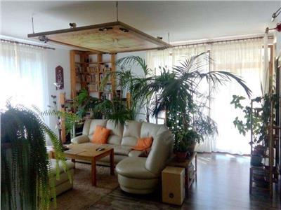 Vanzare Apartament 4 camere de lux in Manastur, zona linistita