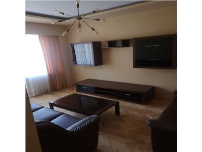 Inchiriere apartament 3 camere modern in Centru- zona Piata Unirii