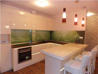 Vanzare Apartament 3 camere de lux in Gruia, utilat si garaj