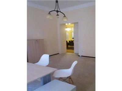 Vanzare Apartament sau sediu firma 4 camere in Centru, Cluj-Napoca