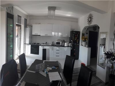 Vanzare Apartament 4 camere pe 2 niveluri in Manastur Lic. Ed. Nicolau