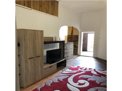Inchiriere apartament 3 camere modern in Centru- zona Motilor