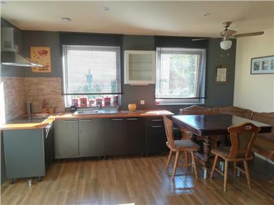 Inchiriere apartament 3 camere modern in vila zona Andrei Muresanu