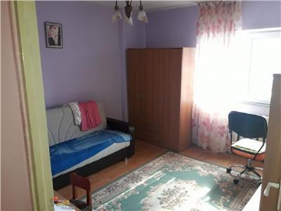 Apartament 4 camere la etajul 2 in Manastur, zona Kaufland