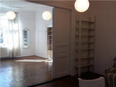 Inchiriere Apartament 2 camere in vila cu gradina zona Centrala