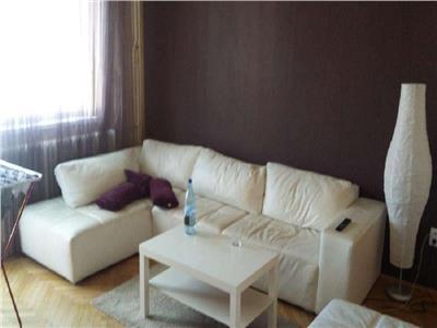 Vanzare Apartament 2 camere decomandat in Centru, strada Republicii