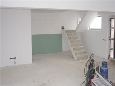 Vanzare parte duplex 4 camere semifinisat Manastur-Str. Basarabia