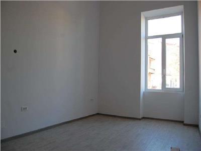 Apartament 4 camere in Centru, P-ta M. Viteazu, locuinta sau birou