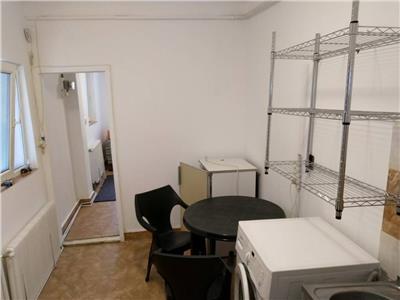 Apartament 1 camera la curte in Centru, Opera Maghiara