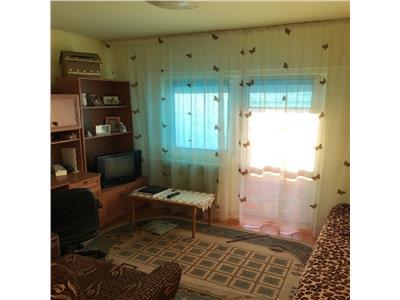 Vanzare Apartament 2 camere decomandat in Centru, P-ta M. Viteazu