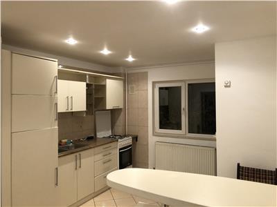 Inchiriere Apartament 3 camere decomandate in Plopilor