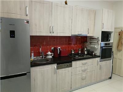 Apartament 2 camere semidecomandat finisat in Centru, P-ta M. Viteazu