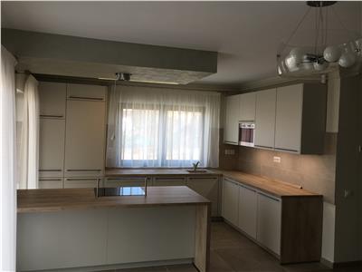 Inchiriere Apartament 4 camere NOU de LUX in vila in Gruia
