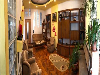 Apartament 3 camere finisat si mobilat, zona Horea - Central