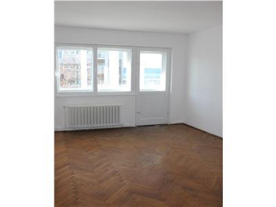 Vanzare Apartament 3 camere zona Primaverii-Manastur, Cluj-Napoca