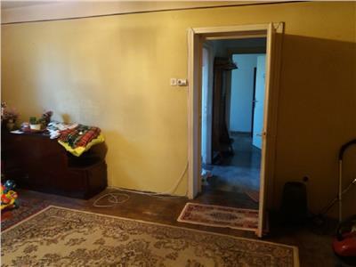 Apartament 3 camere in Centru, P-ta Abator
