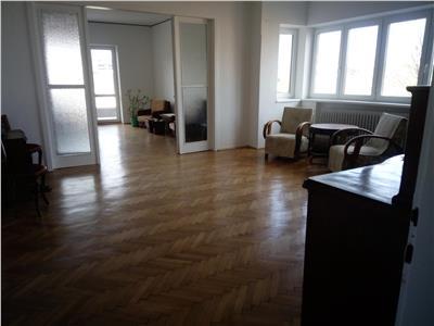Apartament 4 camere in Centru, Garaj, strada Constanta