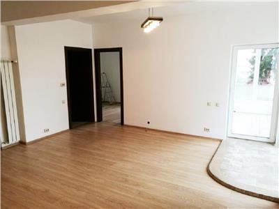 Apartament 2 camere confort sporit si terasa de 65 mp, Centru, garaj