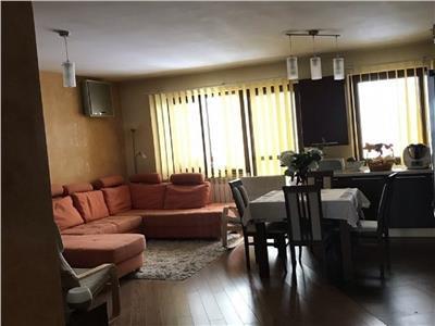 Apartament 3 camere in A.Muresanu cu parcare, str. Alverna