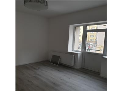 Inchiriere Apartament 3 camere zona Centrala ideal birou