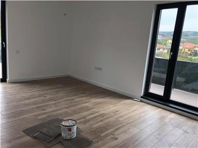 Vanzare apartament 3 camere tip penthouse cu CF in Borhanci