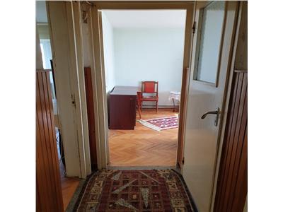 Apartament 2 camere decomandat in Manastur, strada Primaverii, pe Sud